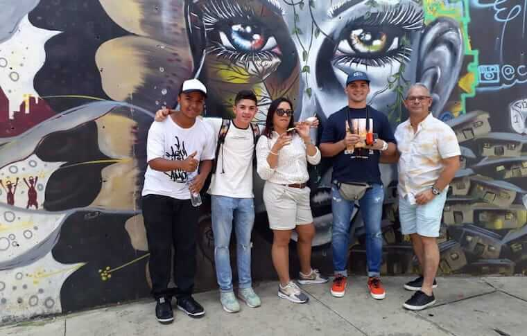 graffiti tour in medellin videos