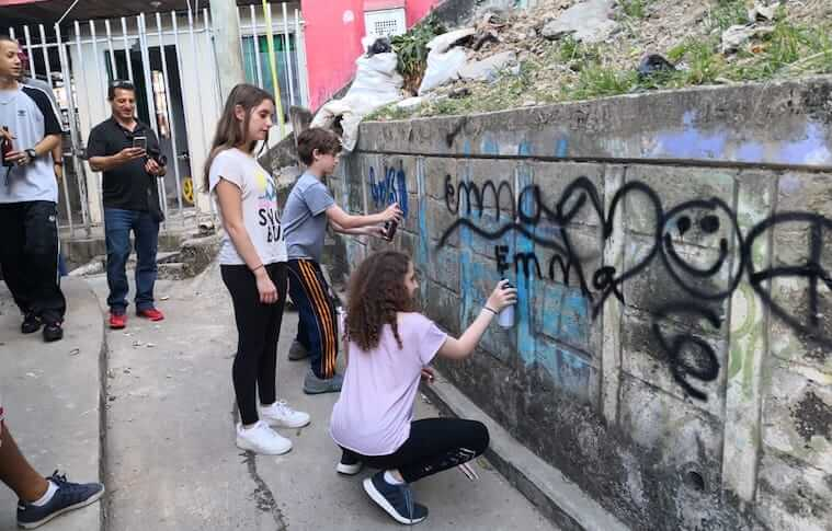 graffiti tour in medellin review
