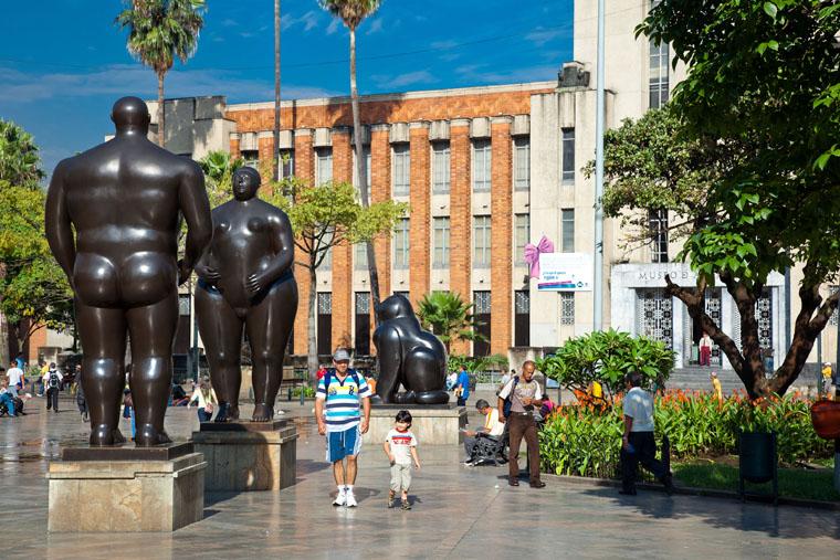 plaza-de-las-esculturas-botero-square
